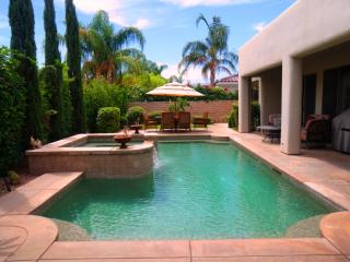 Executive 5 Star Gated Pool/Spa home + Netflix!!