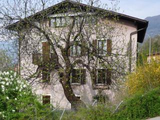 Ticino: Apartment/Flat in house with character