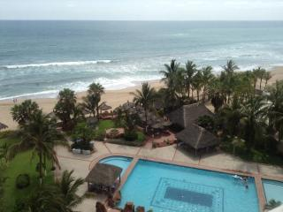 Ocean Front Condo & Private Beach / Pool / Tennis