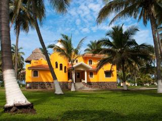 New Beach Home in Tropical Playa Las Tortugas