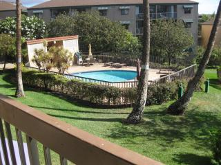 Remodeled Condo in Kihei, 2 minute walk to Beach!
