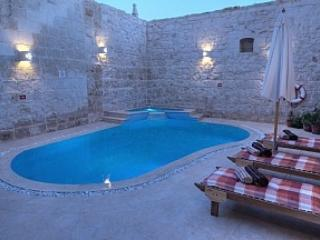 Malta, Zejtun. Holiday house with private pool.