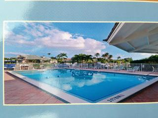 Naples on the Bay! 2 Bedroom, 2Bath