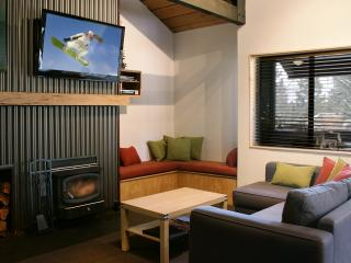 Rustic Modern Condo-3 Flat Screen TV /DVR-sleeps 8