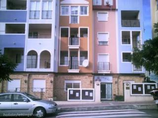 Los Lomas, Apartment 4C