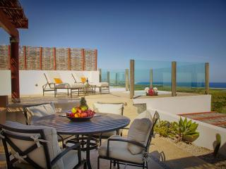 Amazing double-floor Penthouse 2bd/2bth OCEAN VIEW at Alegranza Resort