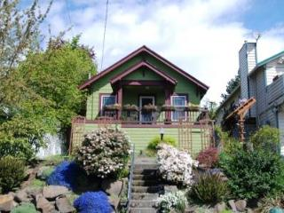 Charming cottage located in Phinney Ridge