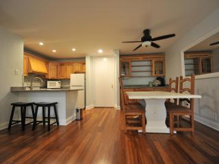 DECEMBER SPECIAL-$125/night! 1-bedroom beauty
