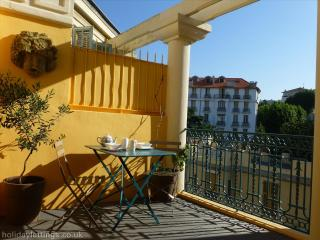 A newly renovated flat in Nice