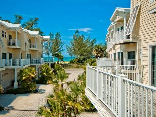 NEW RENOVATED OCEANVIEW HOUSE on Anna Maria Island