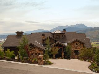 Luxury Lodge sleeps 20+ by Powder Mtn & Snowbasin