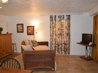 Key Largo 1 bedroom with access to boat launch