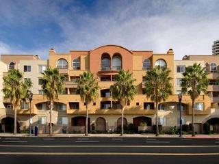 Luxury 1 Br in Downtown San Diego Harbor, Gaslamp