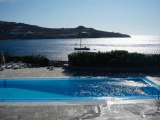 LUXURY 7 BEDROOM VILLA - MYKONOS, GREECE