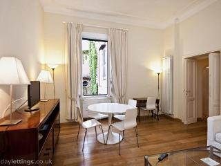 Spanish Steps Stylish Apartmen