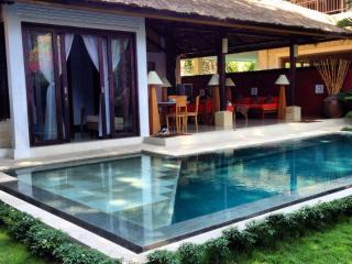 little tree house sanur  guest house