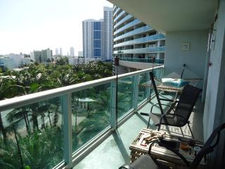 1/1 Flamingo South Beach with all ammenities