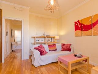Cozy, central apartment in Gracia!