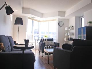 Short Term Rental-yong/finch Condo 2nd Bdrm+bthrm