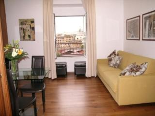 Colosseo sleeps 8