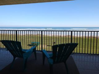 Direct Oceanfront Unit, 3 bedrooms and 2 bathrooms