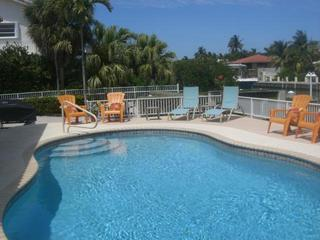 Tropical Pool Home-Open 1 Week in December