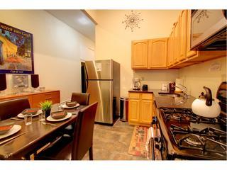 Beautiful 2 bedroom in the TRENDY UPPER EAST side!