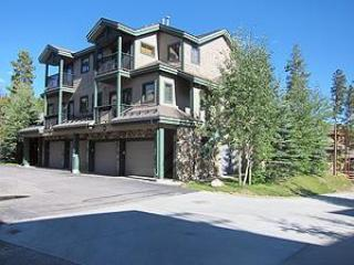 Twin Elks Logde 3BD/3BA Unit D16 Centrally Located