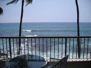 Watch the Surfers - Kona Reef Ocean Front Unit
