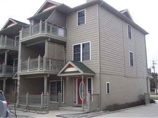 4 BR, 3.5 Bath Newer Townhouse w/pool in Cape May