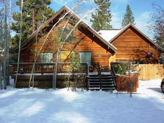 BEAUTIFUL MOUNTAIN CABIN AT A GREAT PRICE!