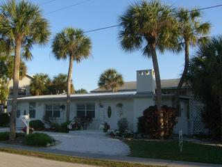 Pool Beach House - Quietest place on Anna Maria