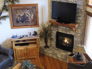 DECORATED FOR CHRISTMAS 6 BR 6 BA Cabin Sleeps 22