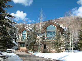 West Vail Private 5BR Home / Vail Village Parking