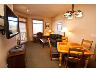 Luxury 2 Bd. Condo Ski in Ski Out -Sunstone #329