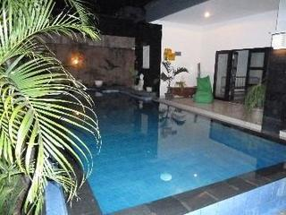 Trendy Treefrog villa Seminyak 2 bedrooms/pool