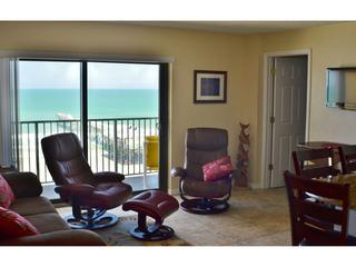 Sunglow Resort 702, 2 Bed/2 Bath Direct Oceanfront