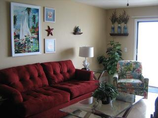Recently remodoled, 1 bedroom, 1 1/2 bath condo