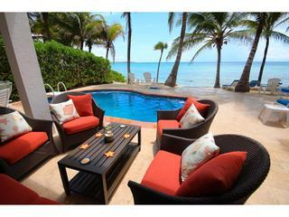 ALMA DE TEXOMA - Beachfront Villa With Pool
