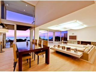 Contemporary villa - 5 minutes walk to Camps Bay