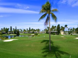 Golf, Tennis and close to Naples Beach and 5th Ave