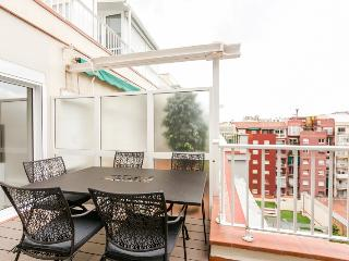 Beautiful apartment with terrace for 6!