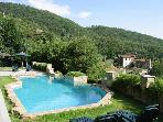 APARTMENTS with swimming-pool in Tuscany, between Arezzo Florence and Siena