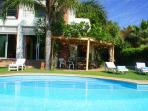 Villa Tishka, magnificent contemporary villa of high standard with heated pool
