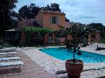 Beautiful house with pool in a quiet area of ??7500 m field