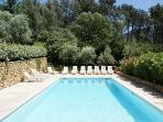 APARTMENT MARIUS IN A FULLY RENOVATED 16TH CENTURY MAS PROVENCAL