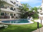 Private Jacuzzi - BBQ -2 bed -2 ba Close to all