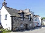 CHIRGWIN COTTAGE, family friendly, character holiday cottage, with a garden in Newlyn, Ref 4077