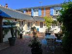 Les Altheas: Small private residence 150m from city center and sandy beach of Villers sur Mer consisting of 6 flats