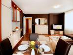 Great Family Apartment by Shevana/SASFA